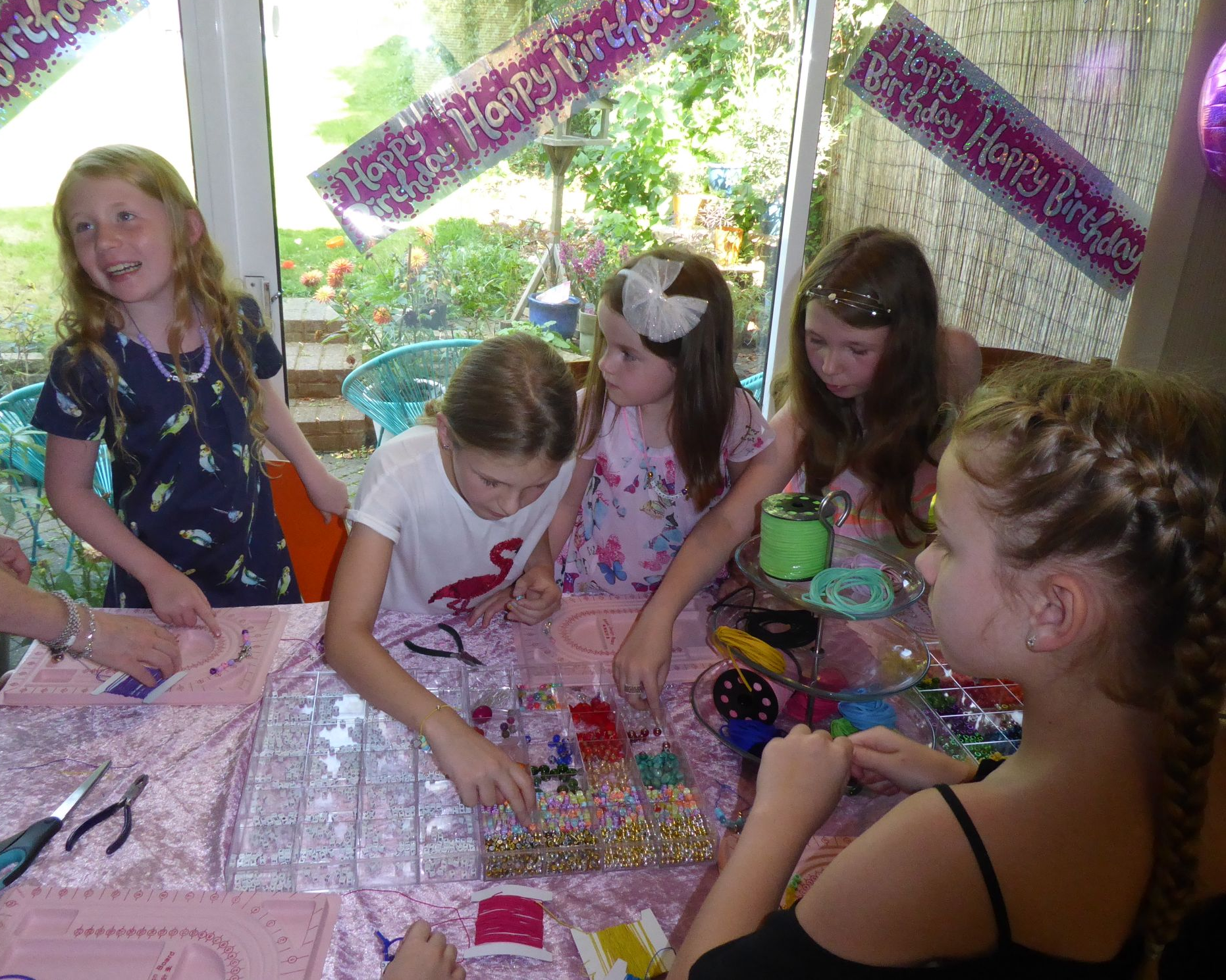 Kids jewellery making party