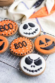 Build Your Own Halloween Treat Box