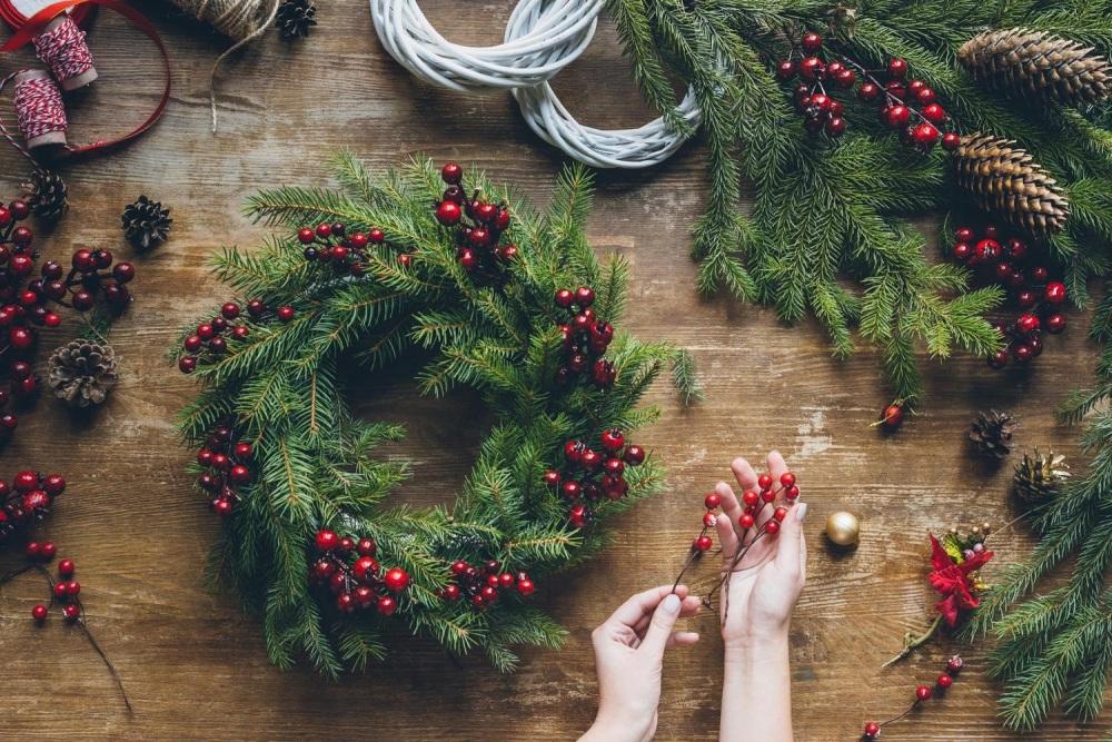 Christmas Wreath Worshop