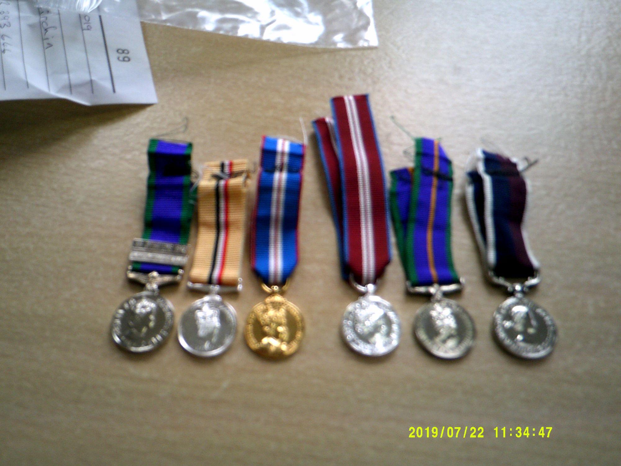 loose mini medals