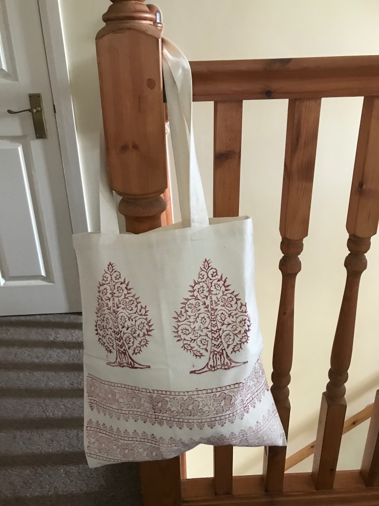 Red tree of life shopper