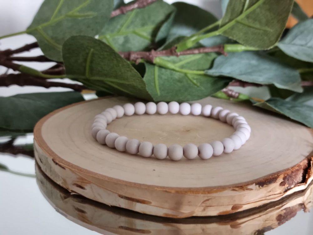 Acrylic Beaded Bracelet (Dark Grey)