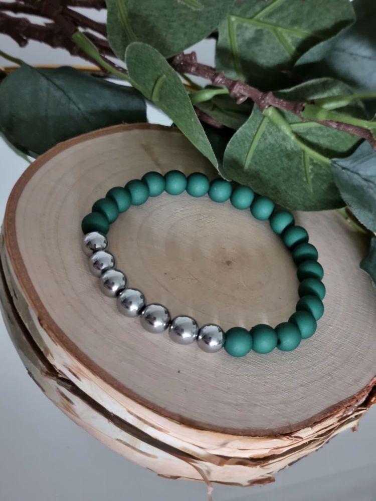 Hematite & Acrylic Beaded Bracelet (Forest Green)
