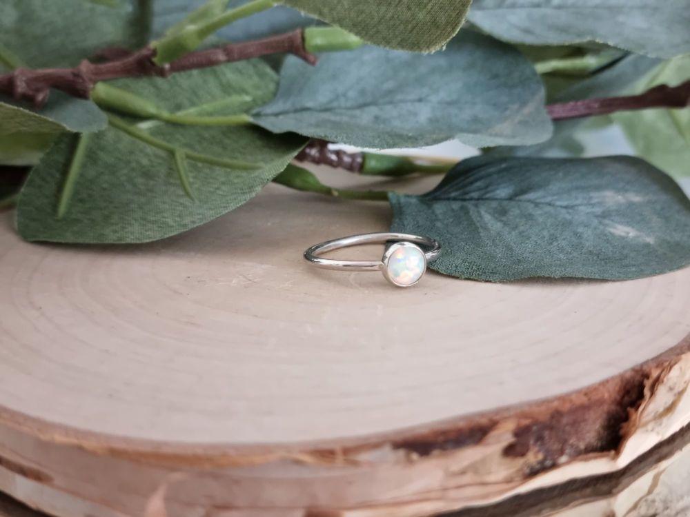 Gemstone Ring (Round)