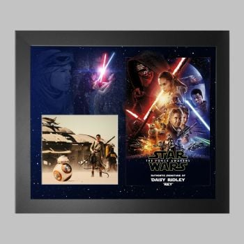 """Daisy Ridley Hand Signed Star Wars 10x8"""" Photograph in a Framed Presentation"""