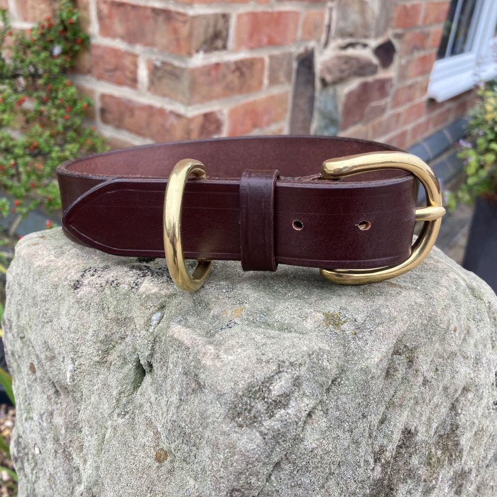 LEATHER COLLER WITH LONDON BUCKLE