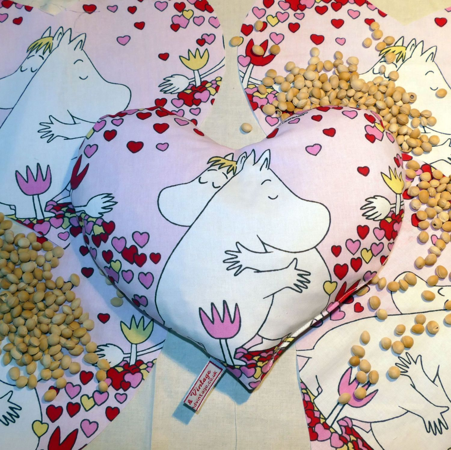 Thermal Moomin Heart Cushion
