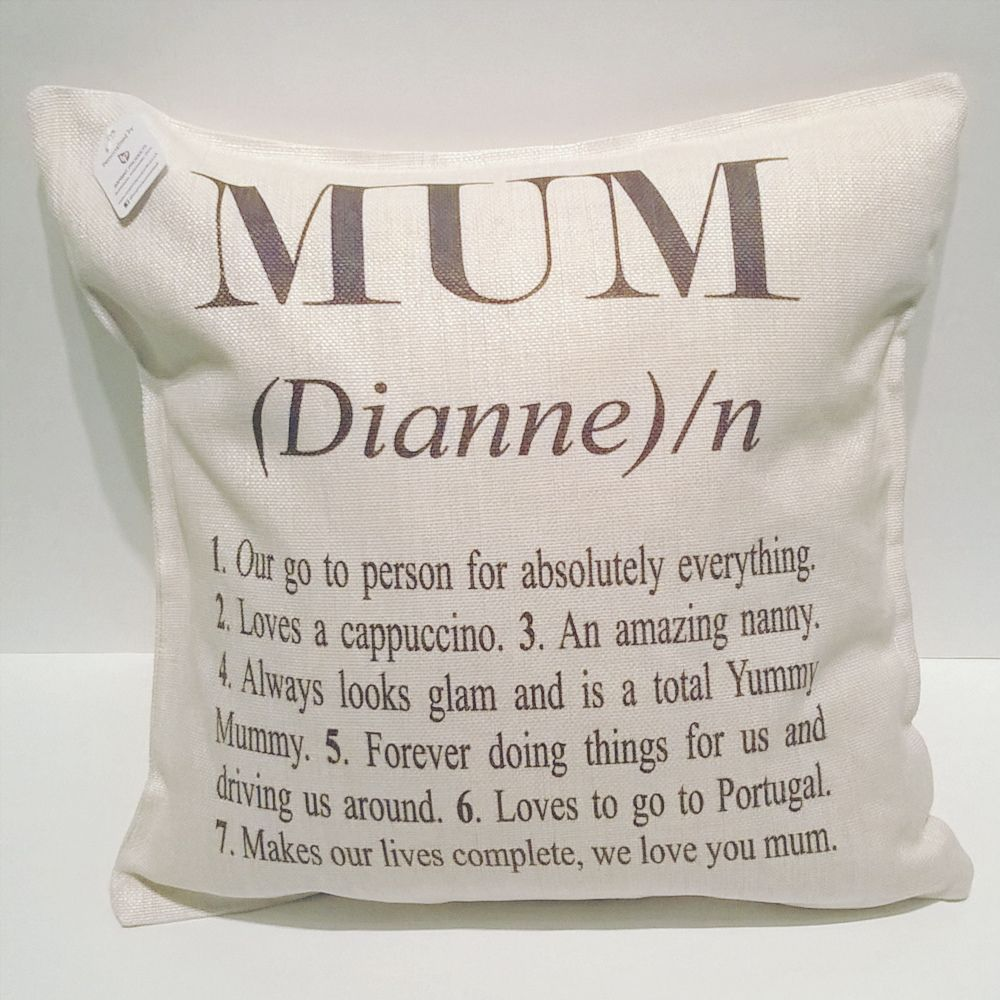 Linen cushion with 5 different mum qualities printed on the front