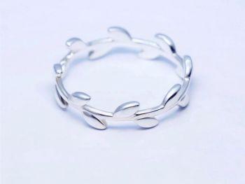 Closed Leaf Ring