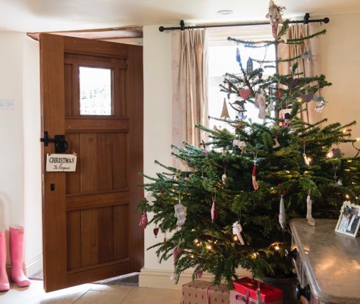 Christmas in the Cotswolds,country christmas decoration