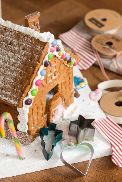 gingerbread house, festive activities,childrens gingerbread workshop