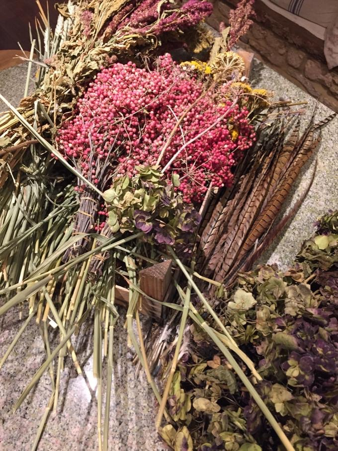 dried flowers,wreath making in the cotswolds,wreath making workshops,
