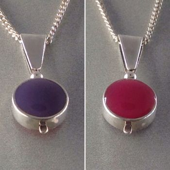 Beautiful Silver Two Colour Pendant.  Item SF008