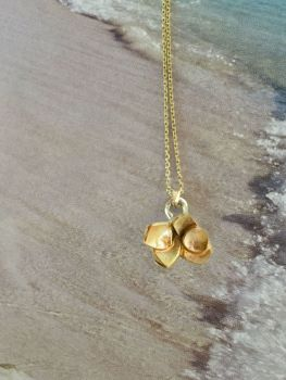 Gold Petal Pendant Necklace.  DS025