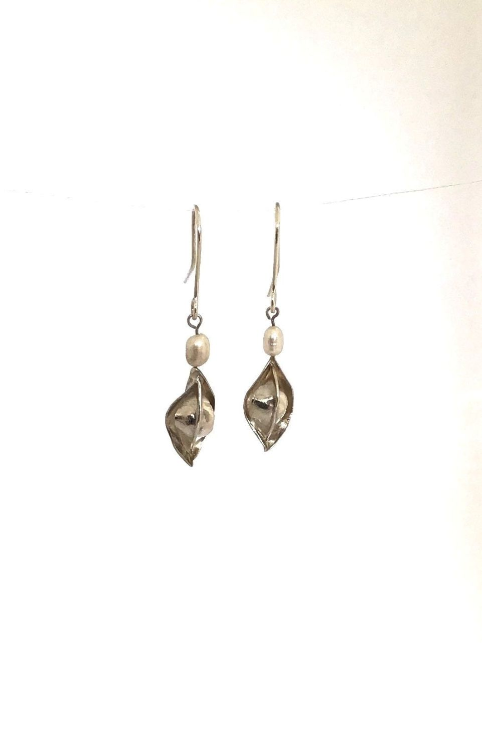 Tiny Silver and Pearl Earrings.  ECT 015