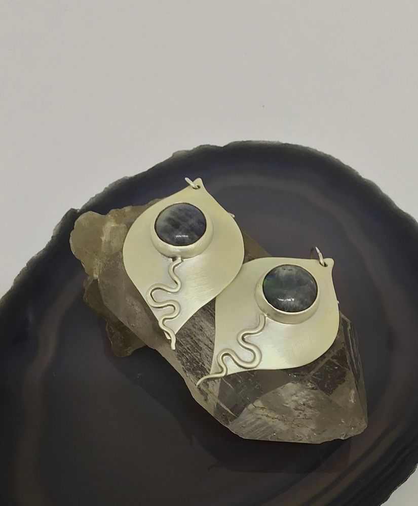 Silver earrings with Labradorite.  Item ECT017