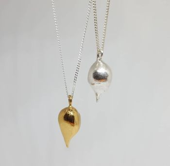 Beautiful  Silver or Gold Pendant Necklaces.  Item EL004