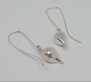 Silver Pod Drop Earrings.   Item EL007