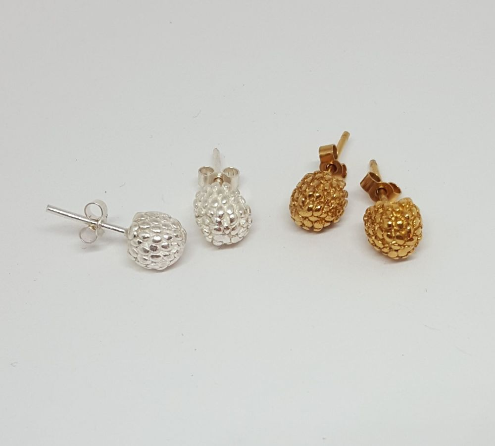 Blackberry stud Earrings in silver or gold. Item EL020