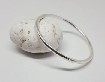 Heavy Unisex Silver Bangle. Item EL026