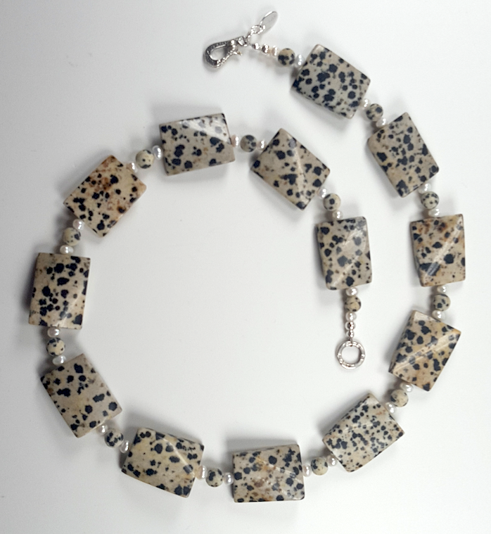 Dalmation Jasper  twisted rectangke necklace with  F W Pearls.  Item RH016