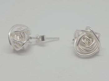 Silver Knot Stud Earrings.  Item EL021