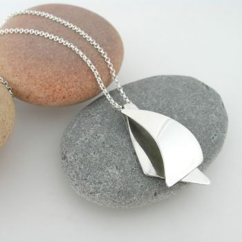 Silver sail spinnaker pendant necklace.  Item EM35