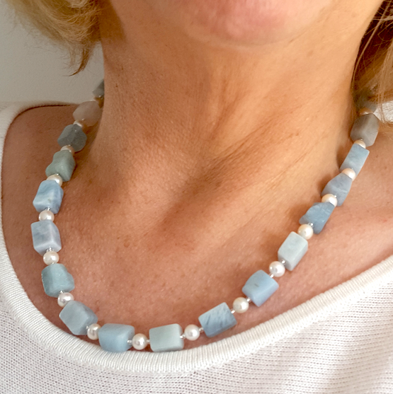 Aquamarine and Pearl Necklace.  Item RH035