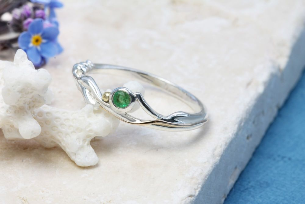 Silver ring with Emerald  YZ011