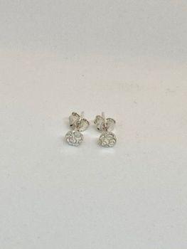 Mini round earrings