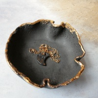 Black porcelain trinket dish with golden edges, for your jewellery or candles 02