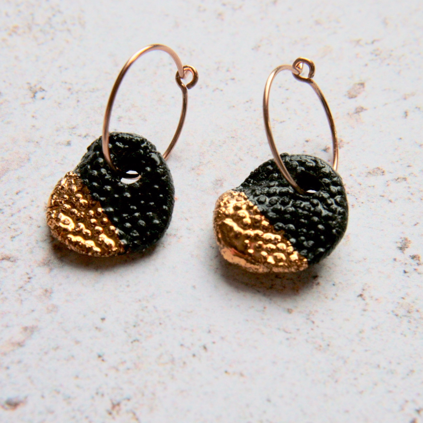 coral reef imprinted black small rounds
