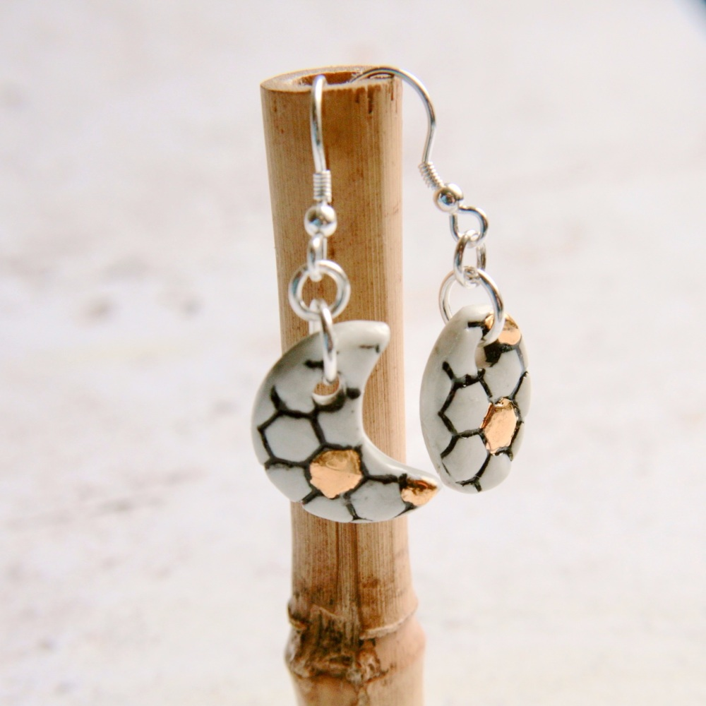 Porcelain earrings with honeycomb design - sterling silver