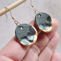 Liquid gold disc earrings - black & gold