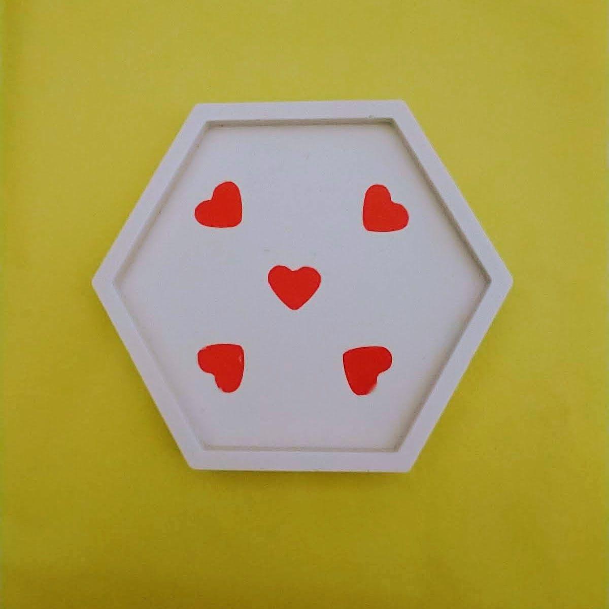 making eco-resin hearts