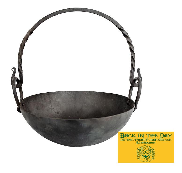 small medium basic cauldron with handle