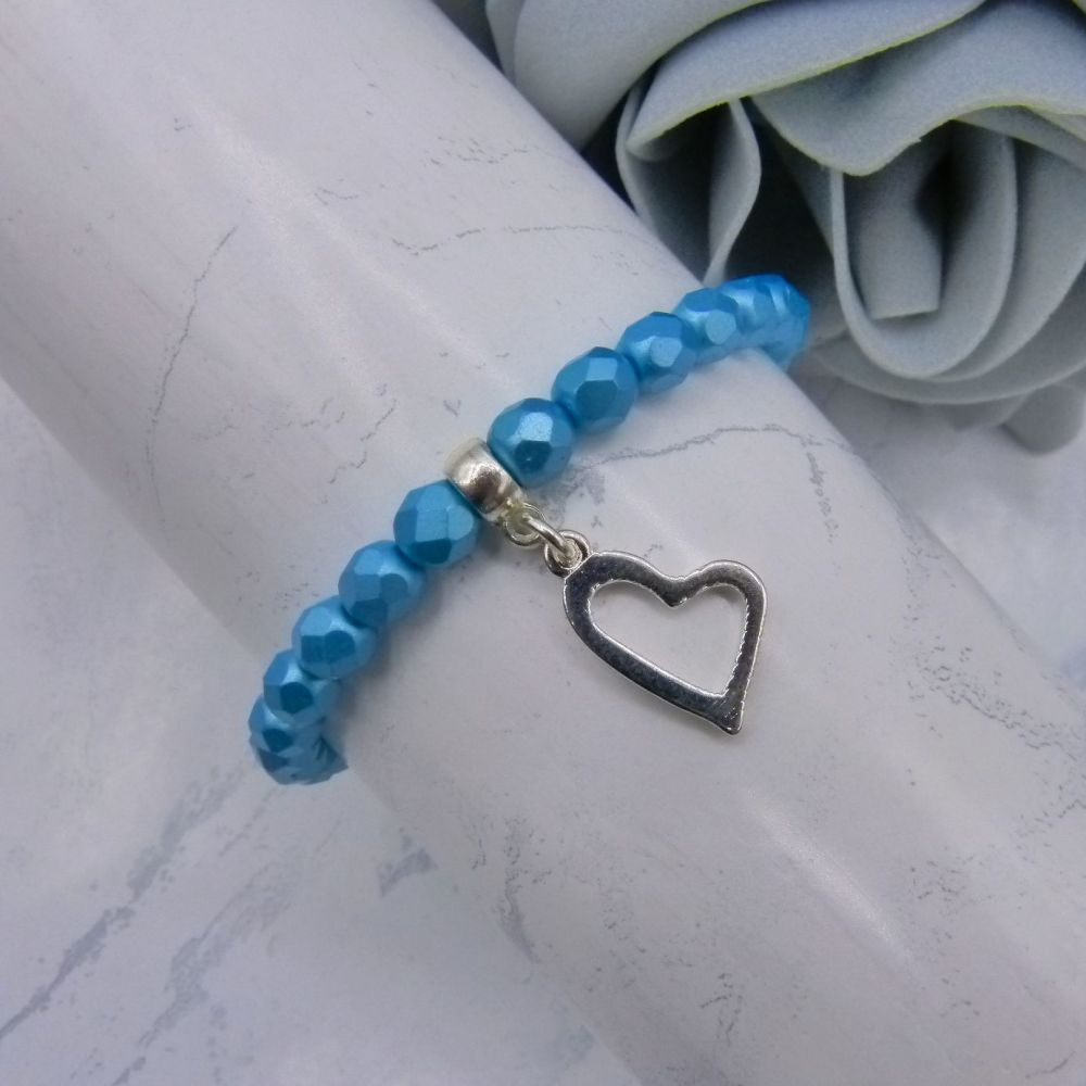 Hollow Heart Charm Bracelet
