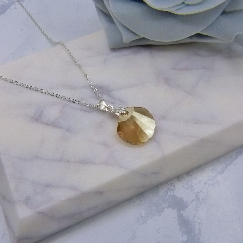 Golden Crystal Shell Pendant