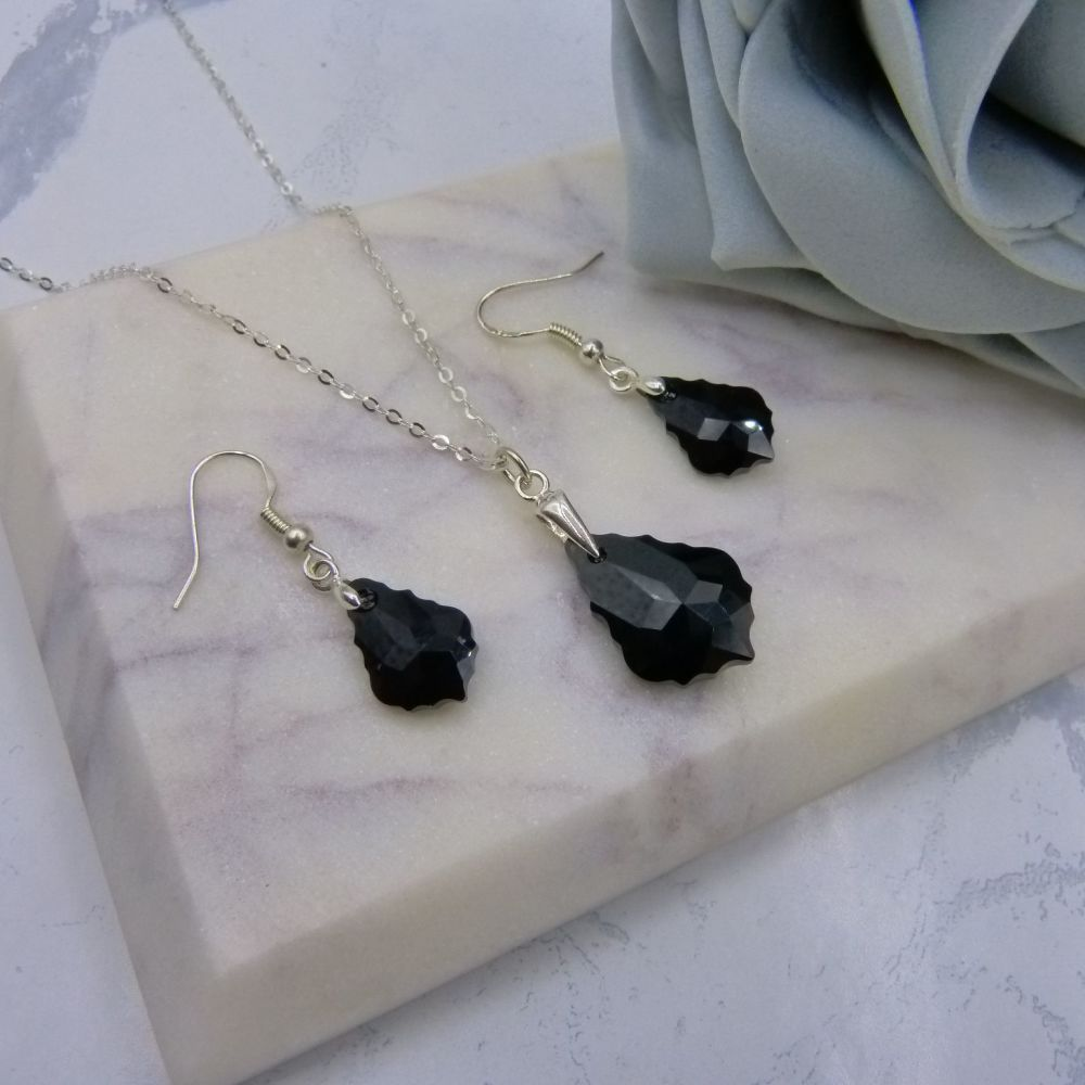 Black Jewellery Set