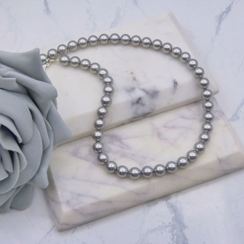 Light Grey Large Pearl Choker Necklace