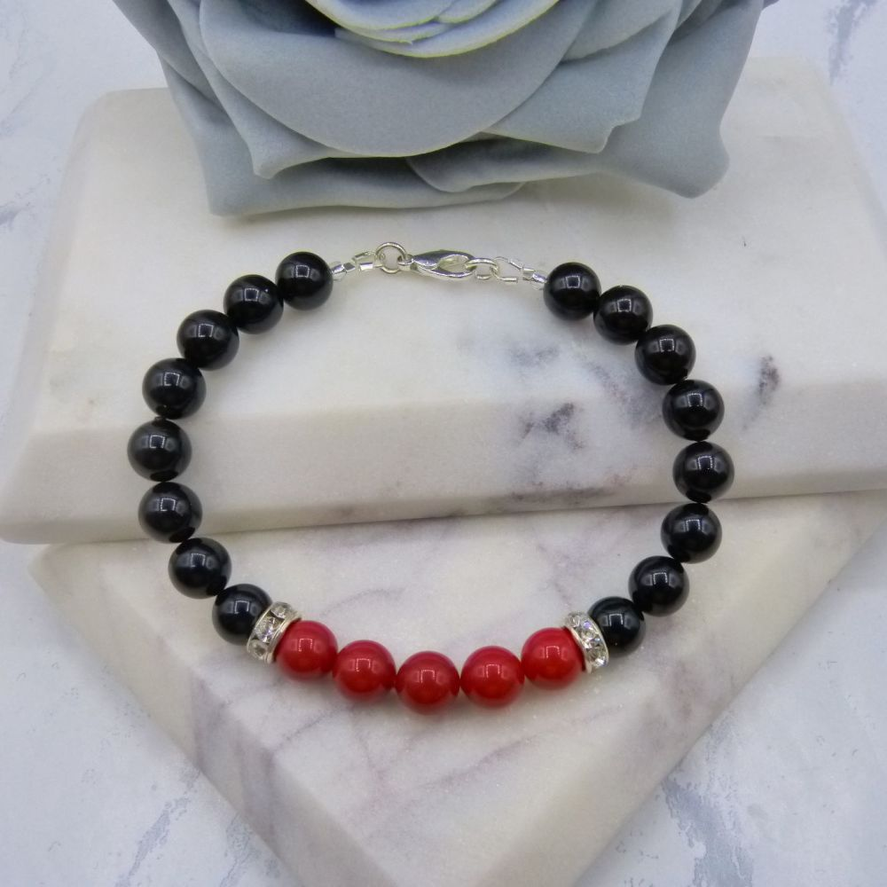 8mm Black Pearl Colour Block Bracelet - Red Coral