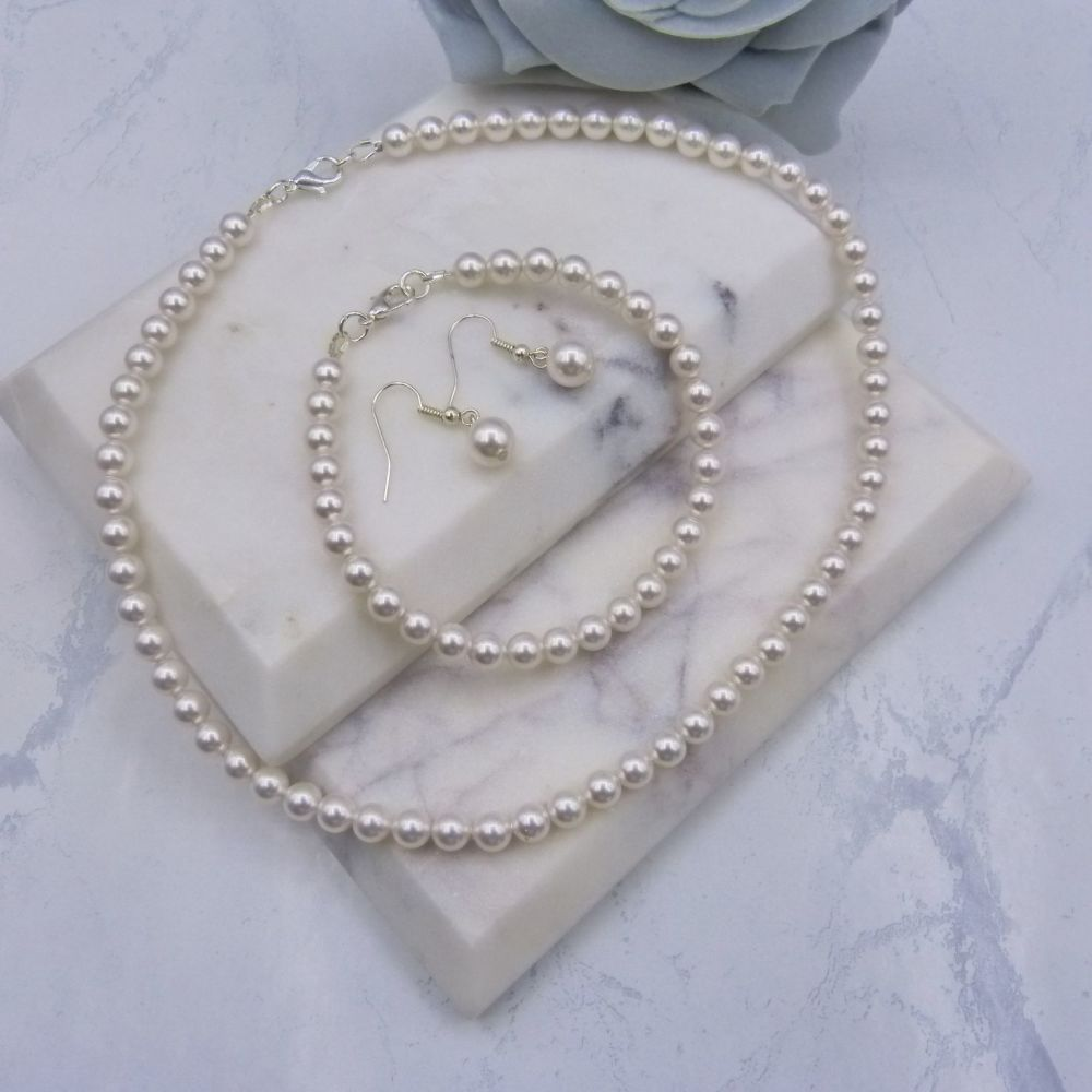 Diana Classic Pearl 3 Piece Set