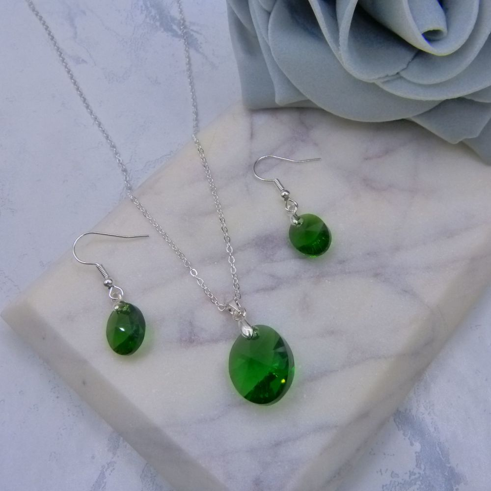 Green Oval Crystal Earrings & Pendant Set