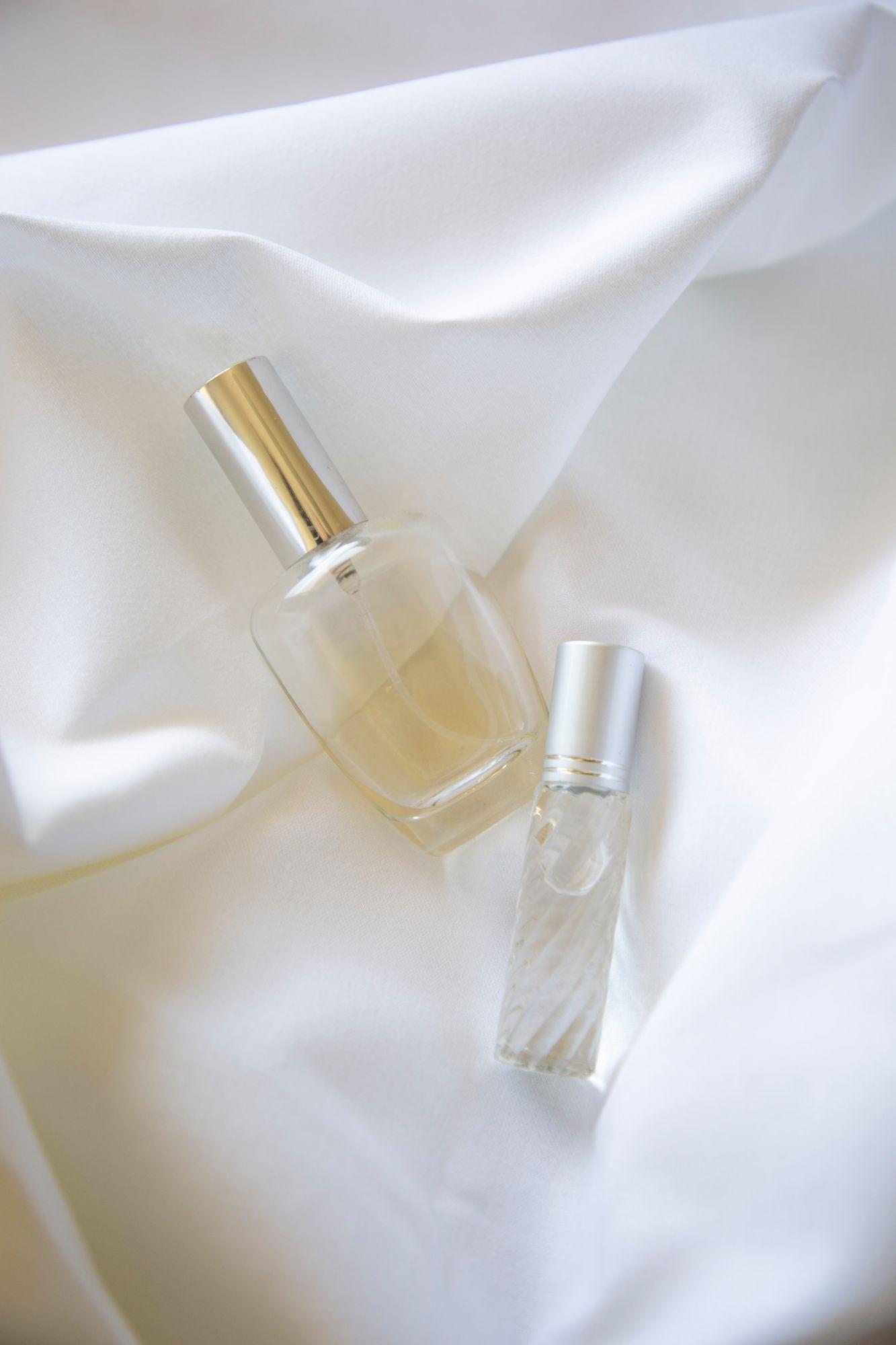 A refillable perfume bottle