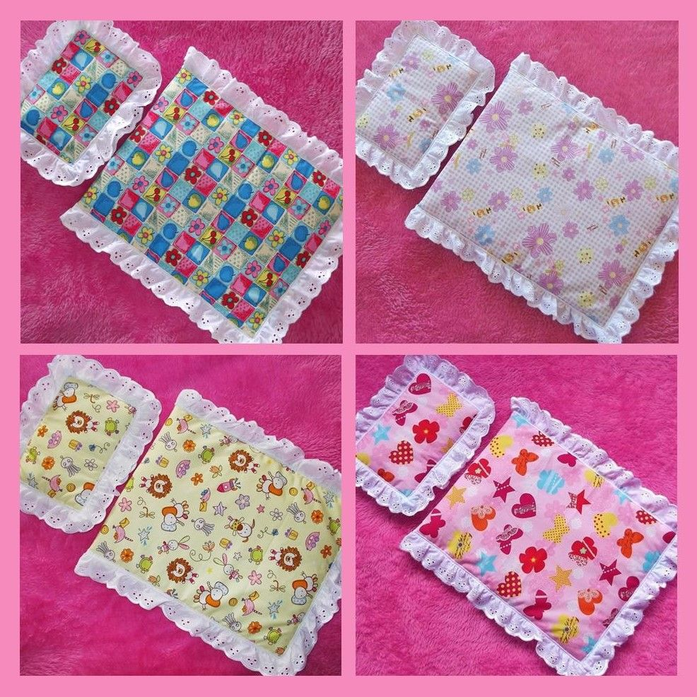 Four little sets of doll's quilts and matching pillows