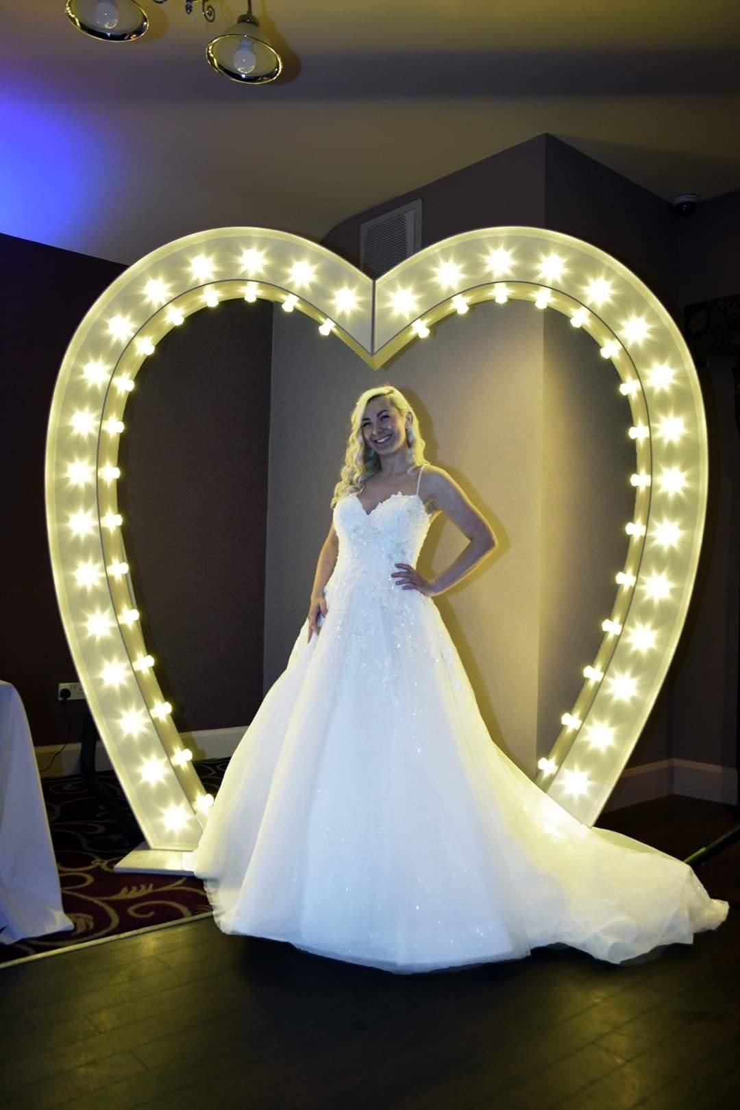 Light up Love Heart Arch 19