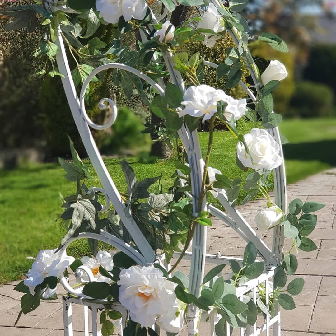 Rose Garland Close Up on Flower Arch