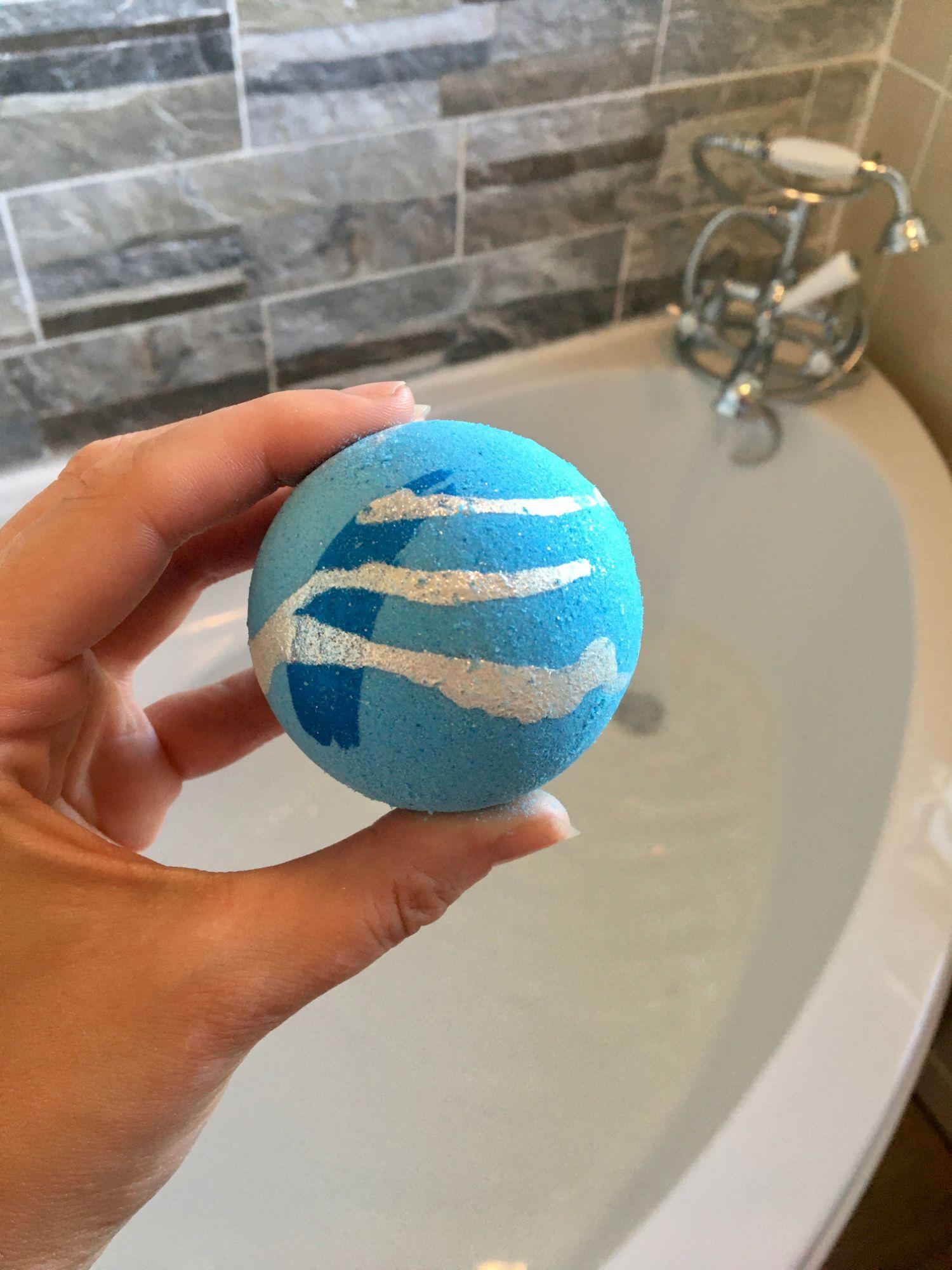Bath Bomb (Handmade & Eco Friendly)