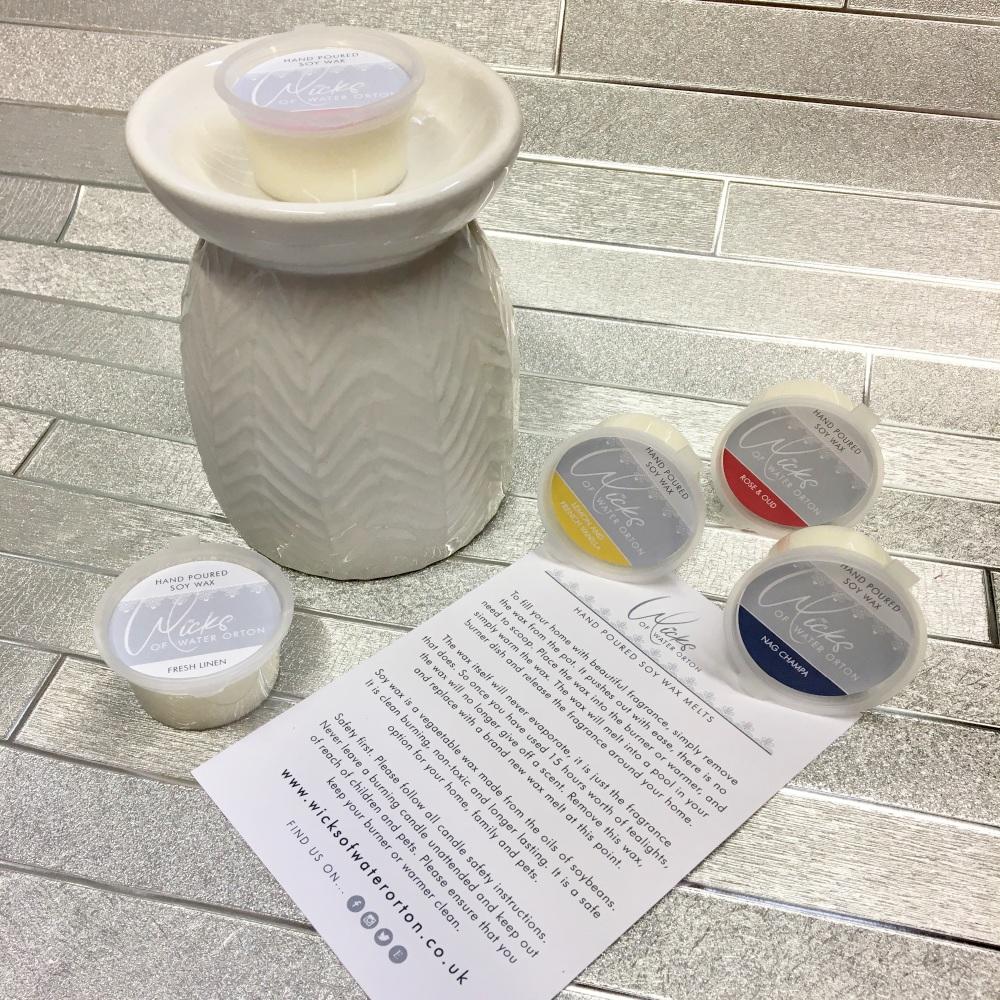 Burner Gift Set - inc a large White Fully Embossed Ceramic burner with 5 soy wax melt pots