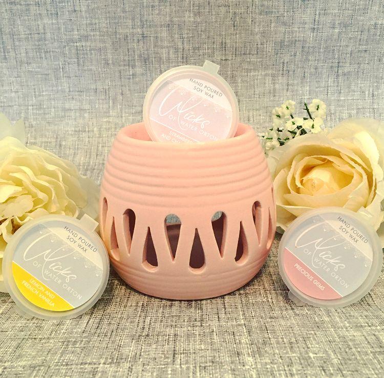 Pink Cut Out Small Wax Burner & 3 Soy Wax Melts Gift Set